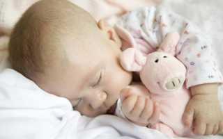 Тремор: нормально ли, когда у новорождённого малыша дрожит подбородок или конечности