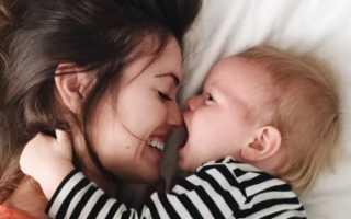 Общение с новорожденным: важность вербальных и тактильных контактов для малыша