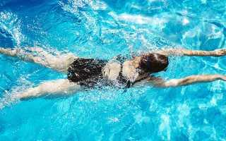 Можно ли плавать во время месячных